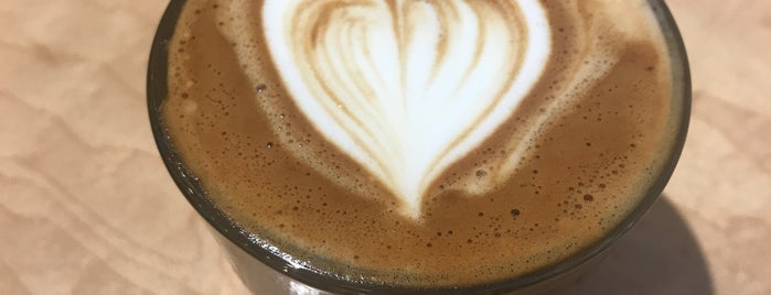 Souvenir Coffee is one of James : понравившиеся места.