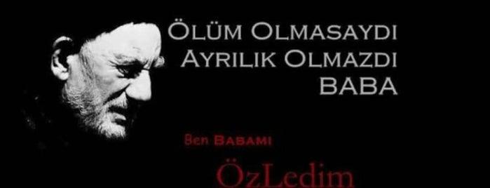 Ahmet Kuafor is one of สถานที่ที่ Mehmet cumhur ถูกใจ.