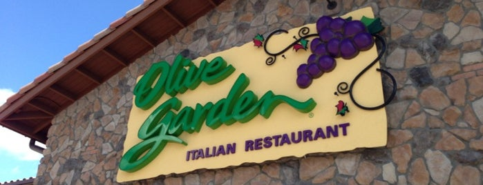 Olive Garden is one of Lizさんのお気に入りスポット.