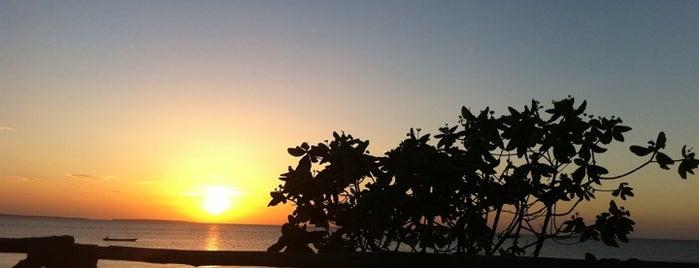 Baobab beach resort is one of สถานที่ที่ S👄 ถูกใจ.