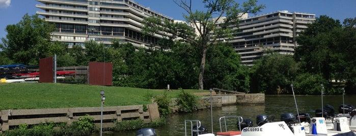 Thompson Boat Center is one of Locais salvos de Alexis.