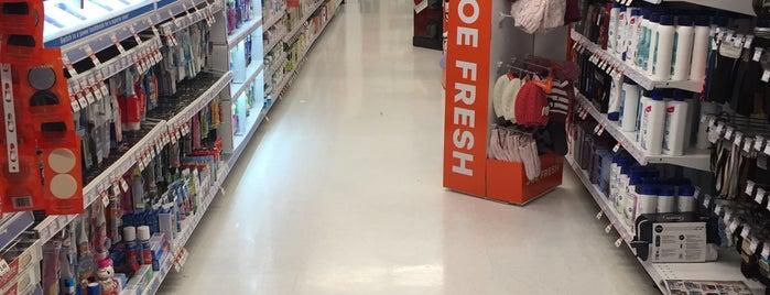 Shoppers Drug Mart is one of Orte, die Jay gefallen.