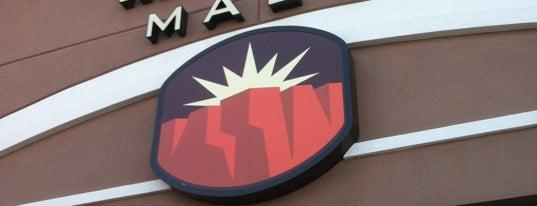 Red Cliffs Mall is one of สถานที่ที่ Ray ถูกใจ.