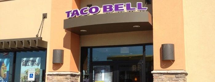 Taco Bell is one of Ray'ın Beğendiği Mekanlar.