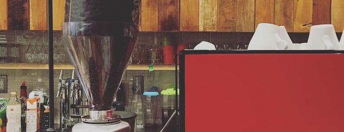 一歩一歩のカフェ食堂 is one of Allpress Espressoなコーヒースタンド&カフェ.