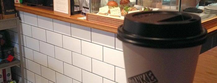 FRANKIE Melbourne Espresso is one of Allpress Espressoなコーヒースタンド&カフェ.