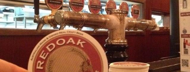 Redoak Boutique Beer Cafe is one of Posti che sono piaciuti a Brendan.