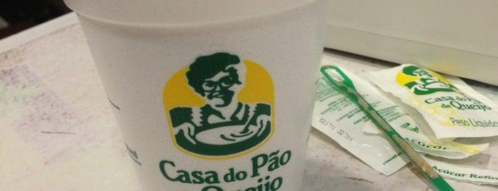 Casa do Pão de Queijo is one of Cafés.