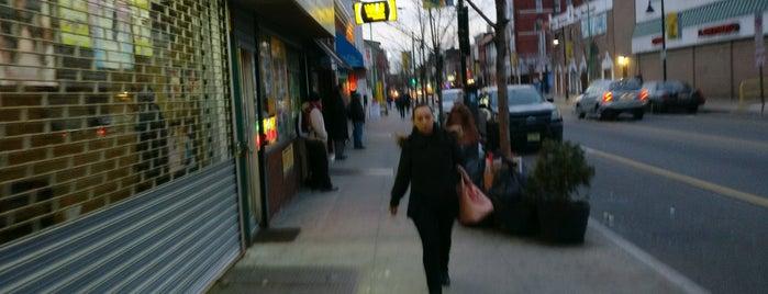 Ferry Street Barber Shop is one of Mateo 님이 좋아한 장소.
