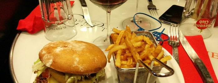 Le Comptoir de l'Épicerie is one of Best Burger in Paris.