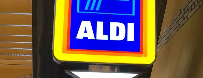 Aldi is one of Lieux qui ont plu à Danny.