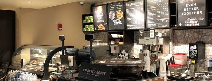 Starbucks is one of Tempat yang Disukai Laura.
