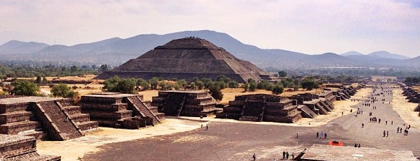 Zona Arqueológica de Teotihuacán is one of CDMX.