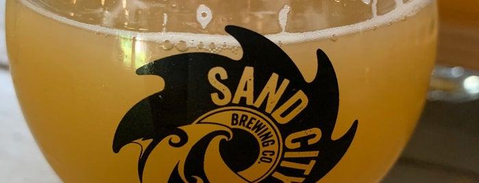 Sand City Brewing Company is one of สถานที่ที่บันทึกไว้ของ Mike.