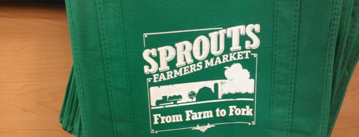 Sprouts Farmers Market is one of Tempat yang Disukai Let.