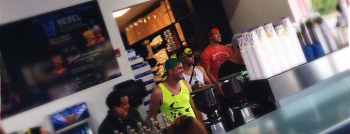 Dutch Bros. Coffee is one of Orte, die Jennifer gefallen.