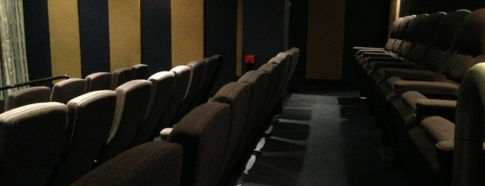 Magno Screening Room is one of Cine.