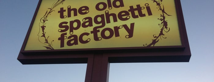 The Old Spaghetti Factory is one of Locais curtidos por Jacie.