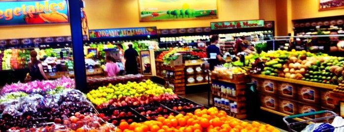 Sprouts Farmers Market is one of Joseph'in Beğendiği Mekanlar.