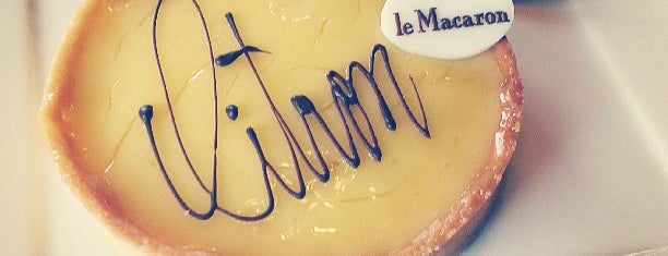 Le Macaron - Decadent Desserts & Cafe is one of Stephenさんのお気に入りスポット.