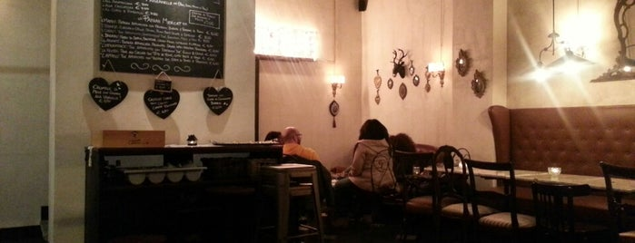 Mercat Bistrot & Old Bar is one of Roma.