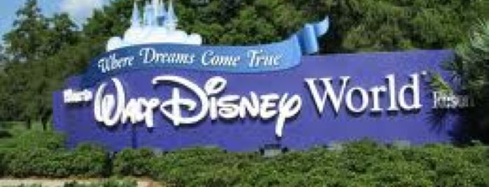 Walt Disney World Resort is one of Khalil 님이 좋아한 장소.