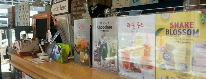 EDIYA COFFEE is one of Seoul coffee 2019.