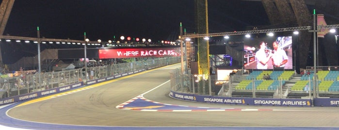 Singapore F1 GP: Turn 2 Sky Suites is one of Locais curtidos por clive.