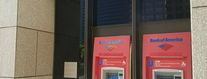Bank Of America Atm is one of Locais curtidos por Dan.