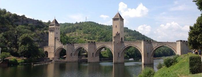 Pont Valentré is one of Bienvenue en France !.