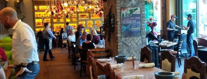 Rocco's Tacos And Tequila Bar is one of Leah'ın Beğendiği Mekanlar.