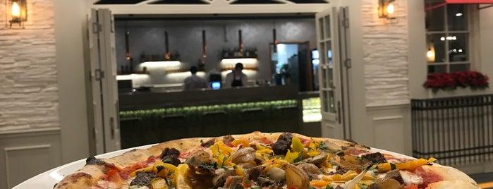 Spring Street Italian-American Pizzeria is one of Locais curtidos por Şehrin.