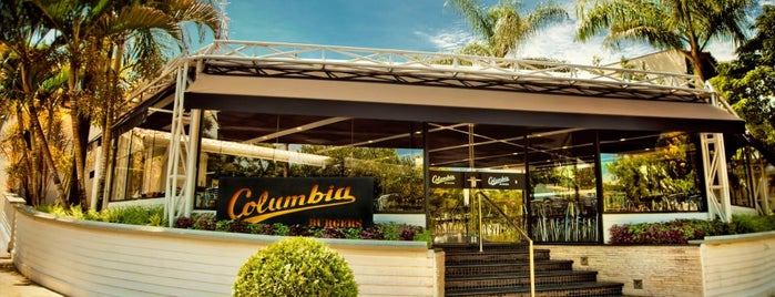 Columbia Burgers is one of Lugares favoritos de Eliete.