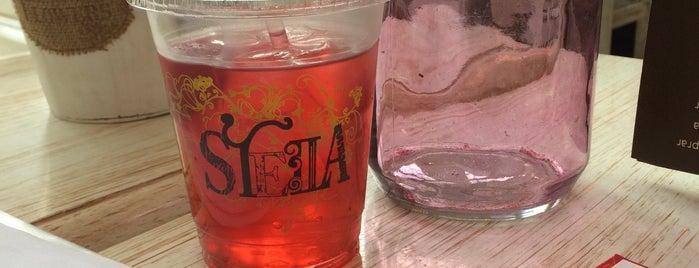 Stella Azul is one of Lugares favoritos de Shine.