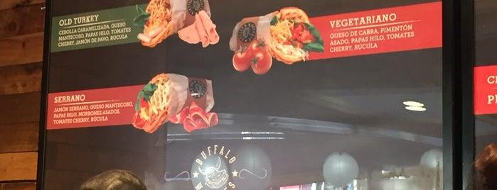 Buffalo Waffles is one of Tempat yang Disukai Berni.