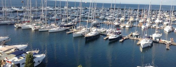 Ataköy Marina is one of İstanbul'da En Çok Check-in Yapılan Mekanlar.