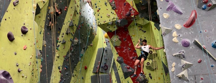 Sydney Indoor Climbing Gym is one of Matt 님이 좋아한 장소.