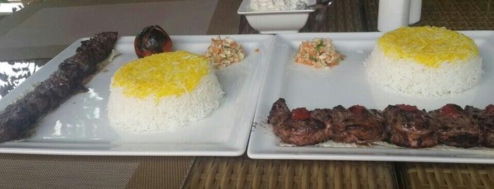 Bene Gilaki Restaurant | رستوران گیلکی بنه is one of Tempat yang Disukai Darwich.