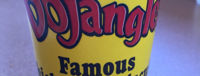 Bojangles' Famous Chicken 'n Biscuits is one of Lugares favoritos de allie.