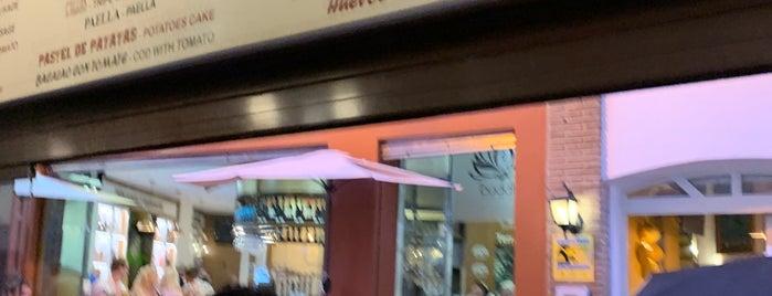 Redondo Round Bar is one of Nerja.
