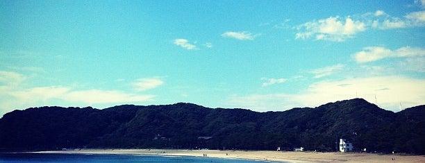 弓ヶ浜海水浴場 is one of 日本の白砂青松100選.