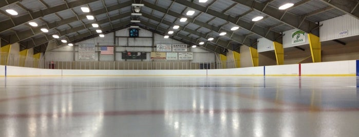 St. Mary's Point Ice Arena is one of Aaron'un Beğendiği Mekanlar.