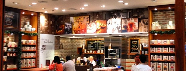 Casa Bauducco is one of Bakeries, Coffee Shops & Breakfast Places.