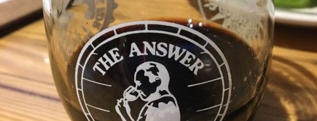 The Answer Brewpub is one of Orte, die Rachel gefallen.