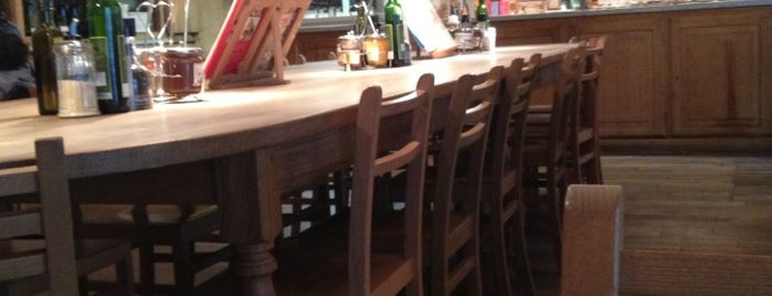 Le Pain Quotidien is one of Locais curtidos por Charles.
