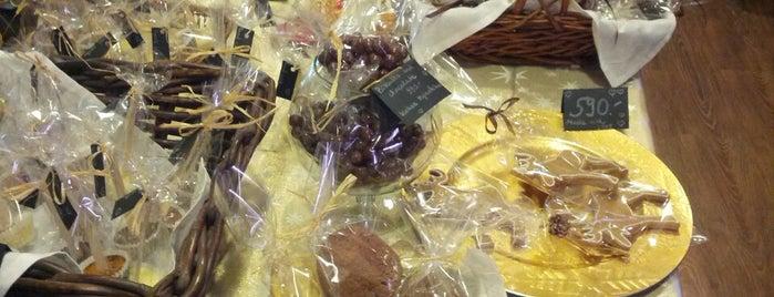 Csoki és süti műhely is one of Food.