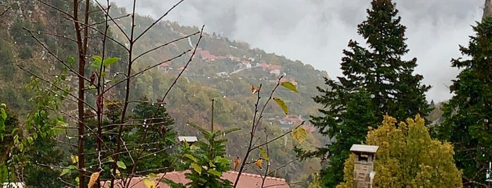 Montanema Handmade Village is one of Akapnos.gr.