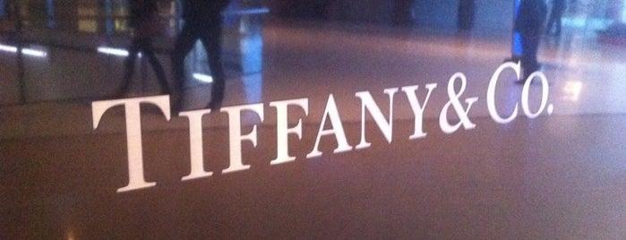 Tiffany & Co. is one of Lugares favoritos de Jessica.