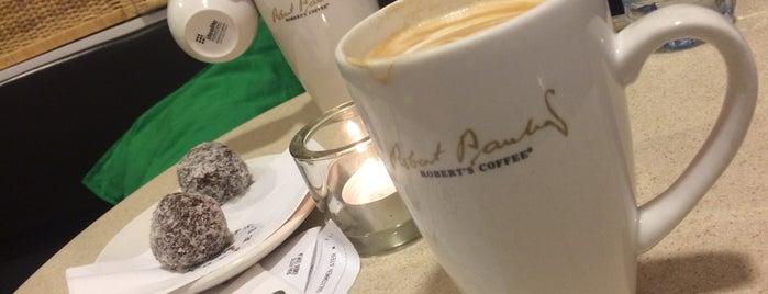 Robert's Coffee Östermalmshallen is one of Lieux qui ont plu à MAQ.