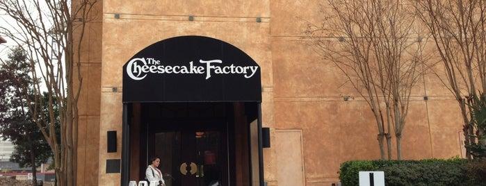 The Cheesecake Factory is one of Minha Atlanta.